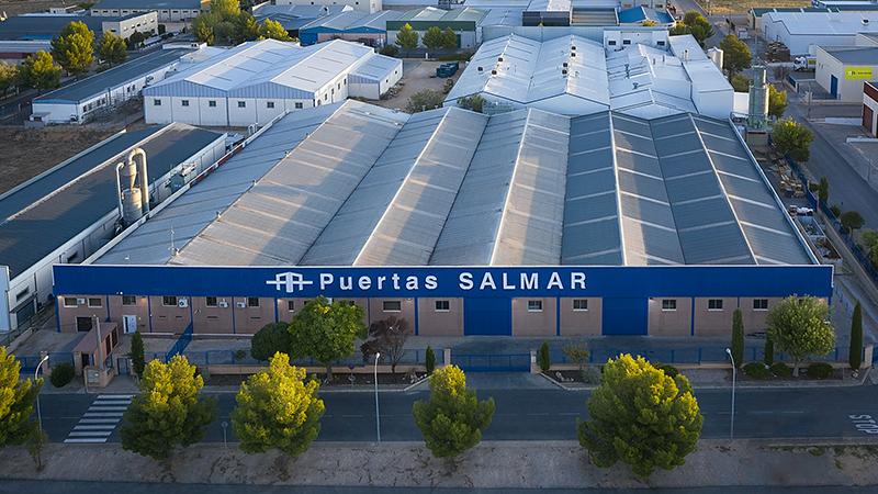 Vista aérea fábrica Puertas Salmar